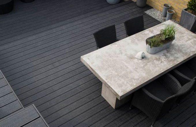 Vedligeholdelsesfrit træ til terrasse – Bordben jern