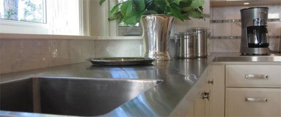 Oprindeligt Bordplade i stål - Er rustfrit stål i køkkenet en fordel? - Hus SQ38