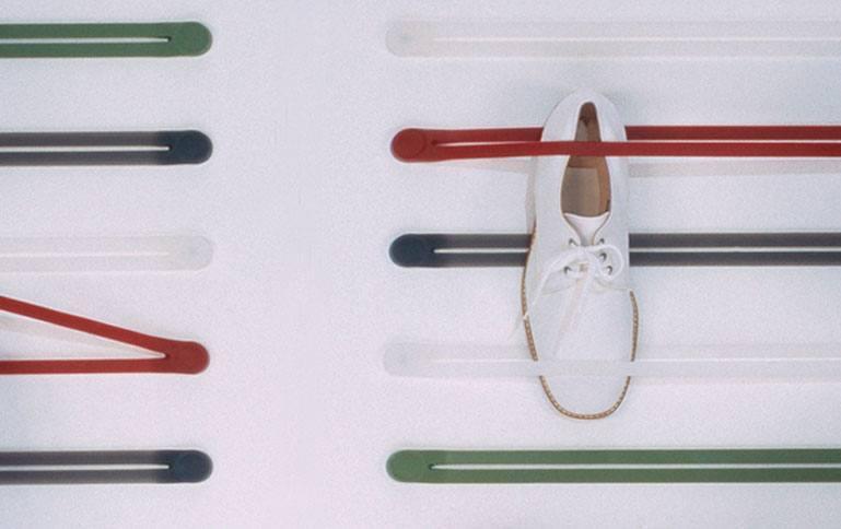 Brug Strap til at hænge dine sko på væggen