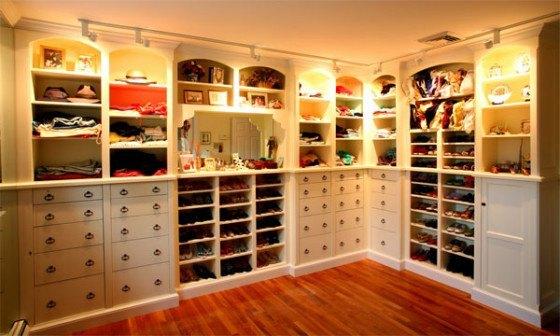 Indbyggede skabe i walk in closet smukkere bliver det næste ikke