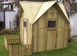 Legehus i træ - køb billige legehuse i høj kvalitet - Hus Plus Have