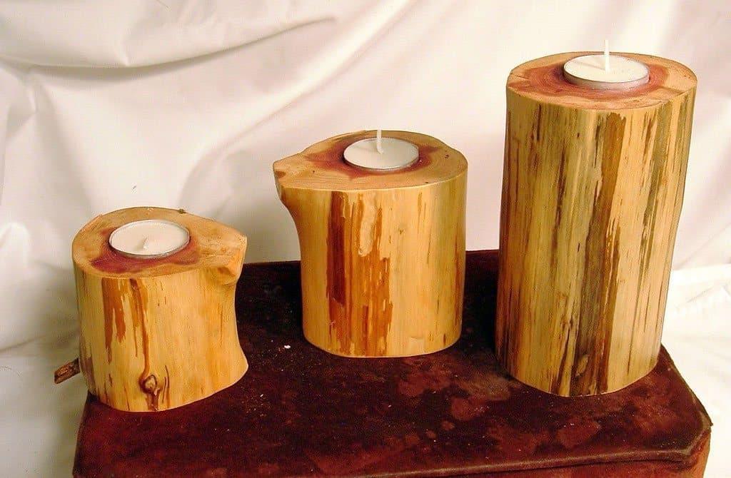Lysestager i træ   den billige, den middel og den dyre lysestage
