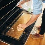 Let at gøre ovnen ren