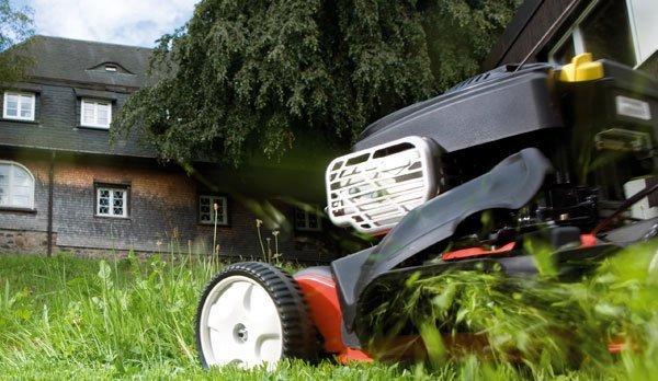 Pleje af græsplæne - Sådan får du græsset til at ligne en golfbane - Hus Plus Have